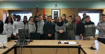 Alumnado del IES Huarte asiste a juicios en el Juzgado de lo Social n° 1 de Pamplona.